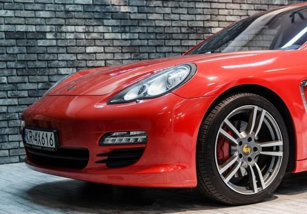 Porsche-Panamera-4S-2