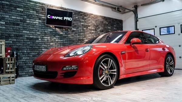 Porsche-Panamera-4S-4