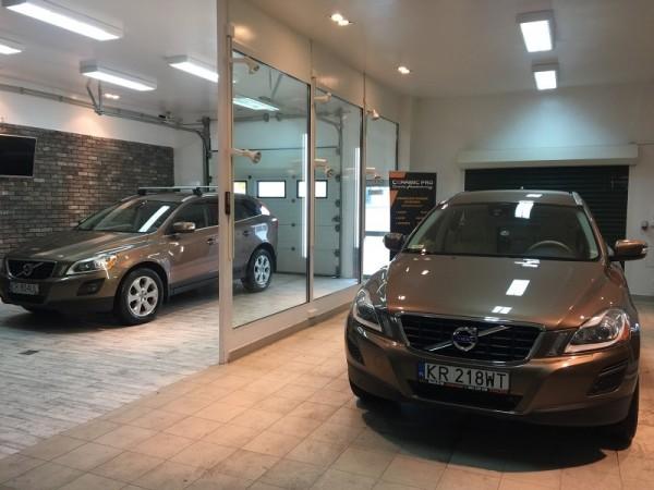 Volvo-XC600-2