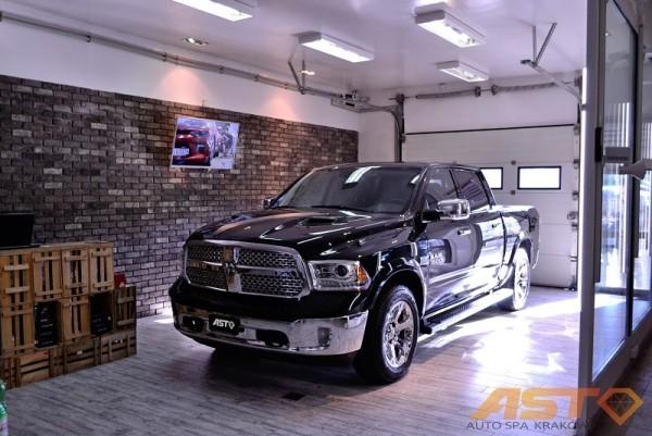 Dodge-Ram-1500-Hemi-Sport-10