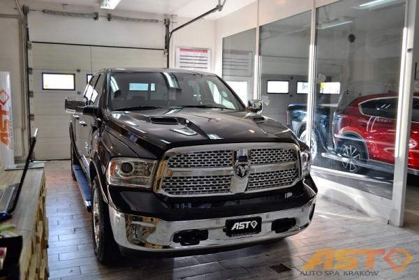 Dodge-Ram-1500-Hemi-Sport-11