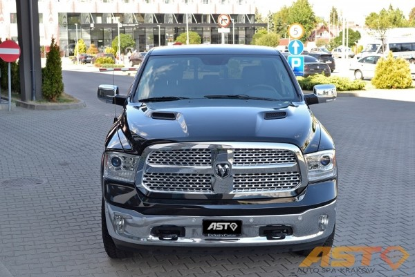 Dodge-Ram-1500-Hemi-Sport-2