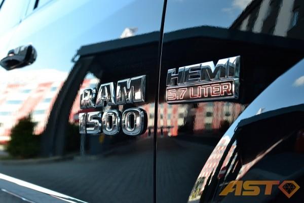 Dodge-Ram-1500-Hemi-Sport-6