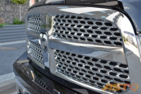Dodge-Ram-1500-Hemi-Sport-8