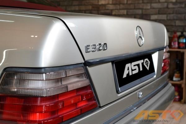 Mercedes-W124-Cabrio-11