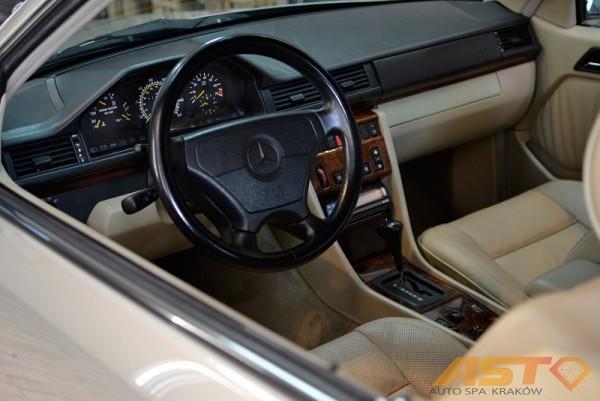 Mercedes-W124-Cabrio-6