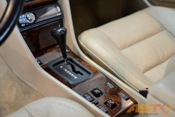 Mercedes-W124-Cabrio-7