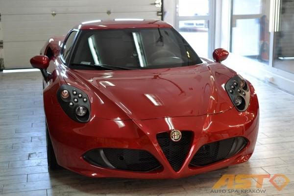 Alfa-Romeo-4C-6